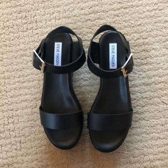 f118091a35b88 Steve Madden Recover Black Leather Sandals. M_5bf96c8f3e0caa46fce7b01e